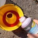 Capsule de phéromone longue durée contre le carpocapse des pommes, poires et noix. Piégeage pour un traitement biologique.